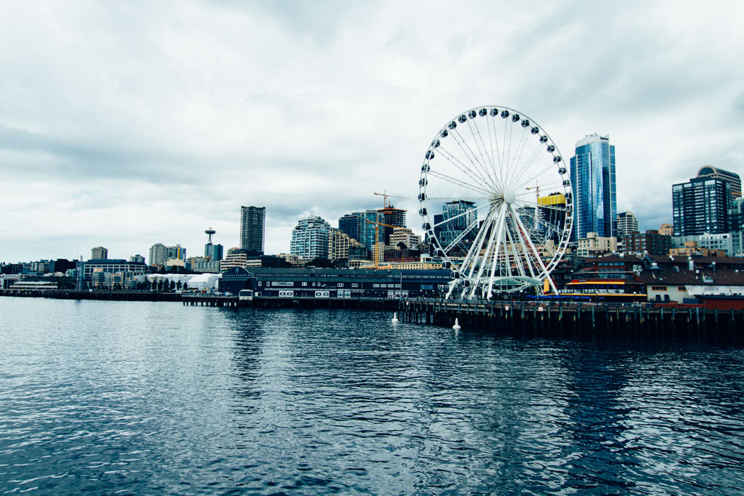 A view of the Seattle Great Wheel, which stands at 75 feet tall.